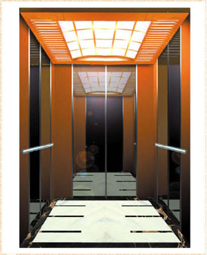 侧壁和后壁: 中心板:黑钛镜面,不锈钢嵌条. 辅助板:钛金发纹.